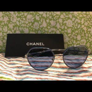 Authentic Chanel Blue Sunglasses 4251-Jc.124/72